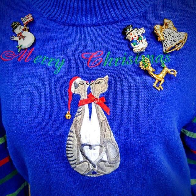 cat christmas sweater dec 15