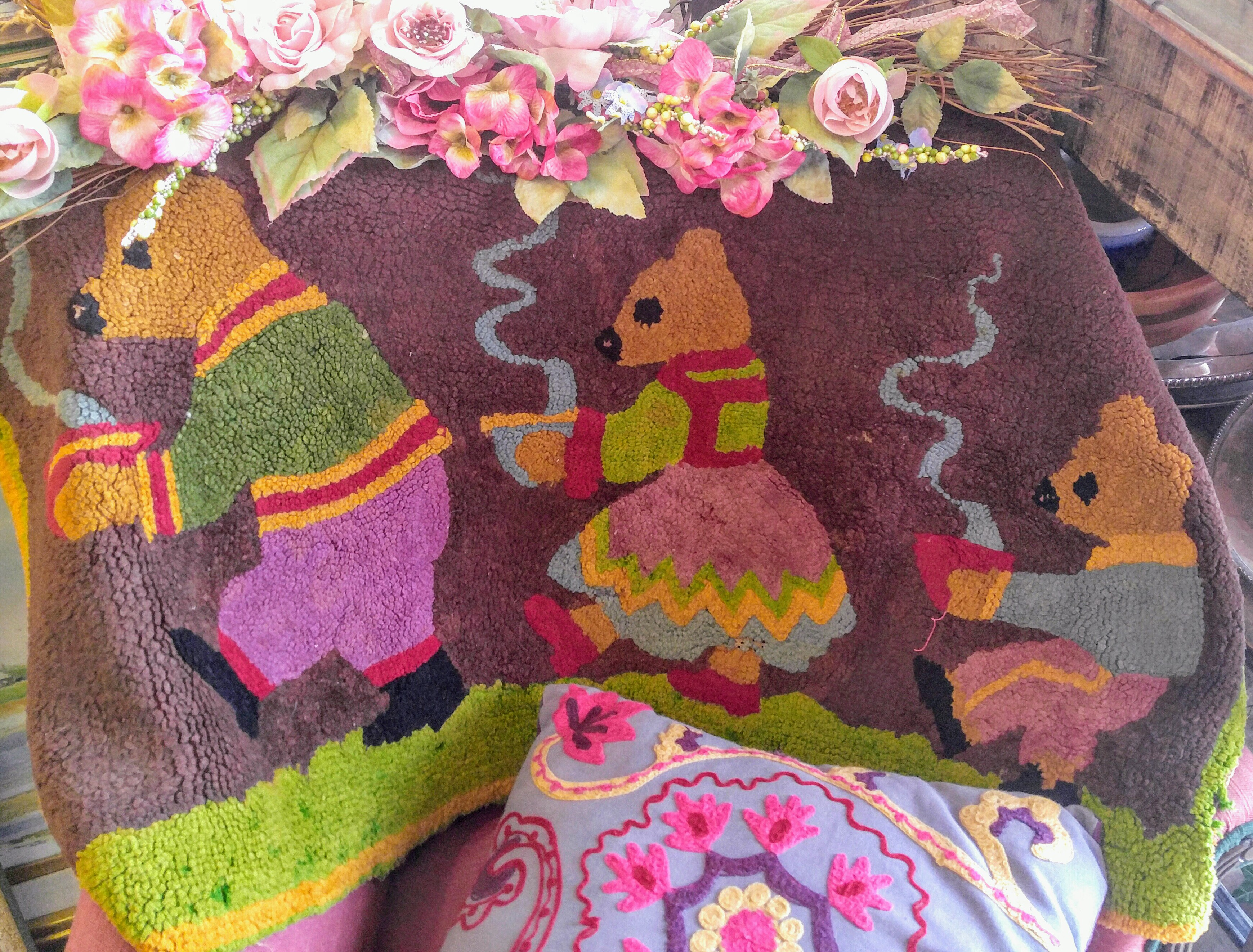Antique 1930s Hooked Rug Three Bears, antiques Fort Worth Texas