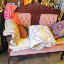 Victorian antique Pink L9veseat Fort Worth Texas antiques