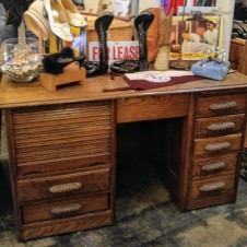 early 1900s  Oak Fort Worth Doctor's Desk, excellent, Fort worth Antiques